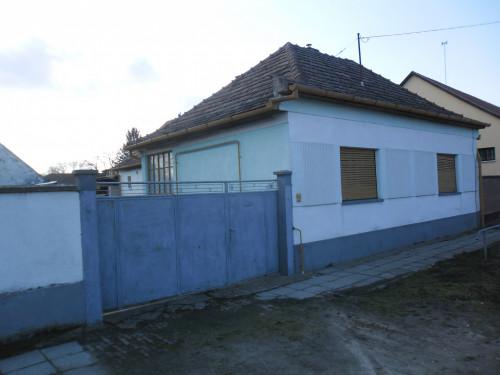 Haus in Ungarn...6525 Hercegszántó ZU VERKAUFEN !