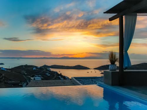 Wunderschöne Villa / Insel KEA / Infinity Pool / ab 3220 €/Woche
